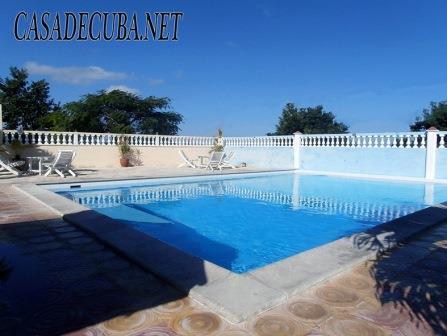 Casa con piscina en alquiler en guanabo renta en la for Casas con piscina en la habana